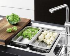 Накладные, врезные и угловые мойки для кухни из нержавейки: обзор моделей и цен
