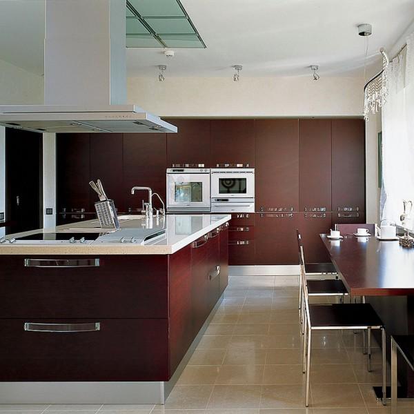 Островная модульная кухня