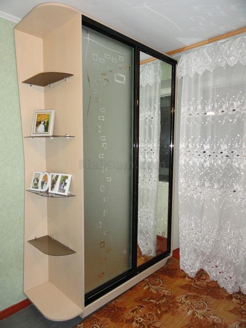 Собранный шкаф купе в готовом виде