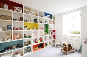 Шкаф для игрушек в детскую комнату
