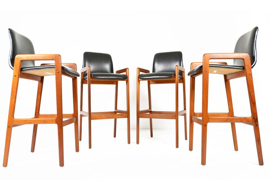 Комплект барных стульев