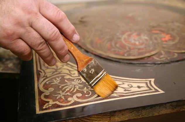 Реставрируем старый деревянный стол