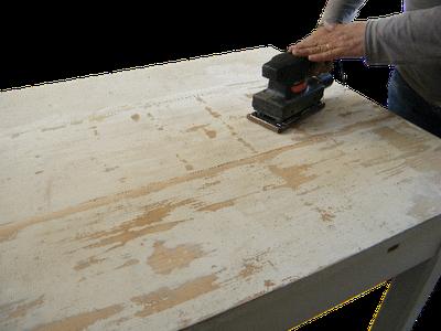 Обработка стола шлифовальной машиной