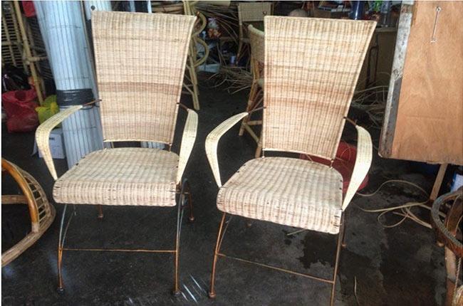 Отреставрированные плетеные стулья из ротанга