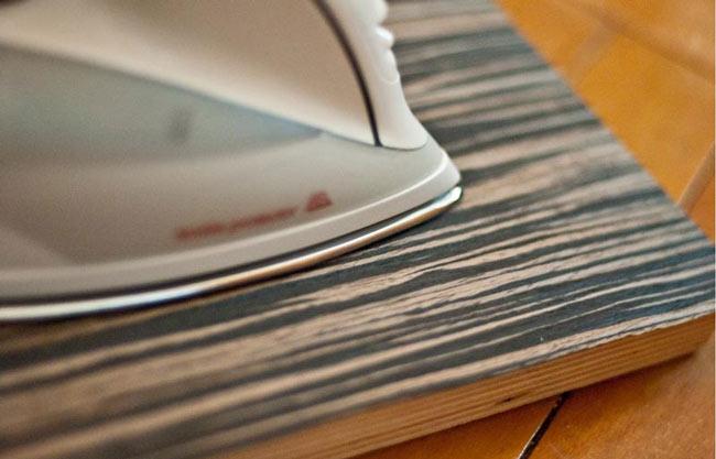 Обработка поверхности шпона утюгом