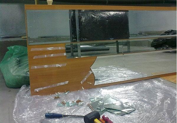 Замена разбитого зеркала