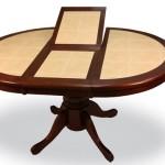 Овальный стол с плиткой
