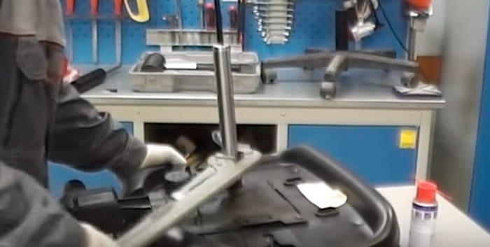 Извлекаем газпатрон из седла пиастры